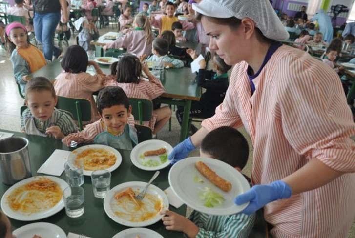 M s de familias de la comunidad recibir n ayudas de for Ayudas para comedor escolar