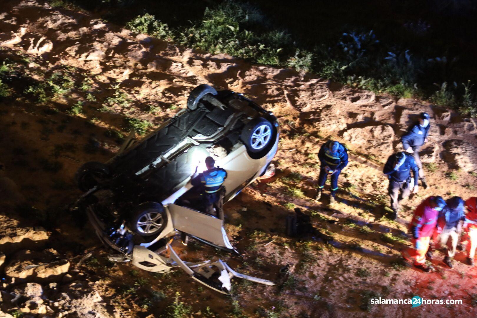 Grave accidente en el Paseo de San VIcente (10)