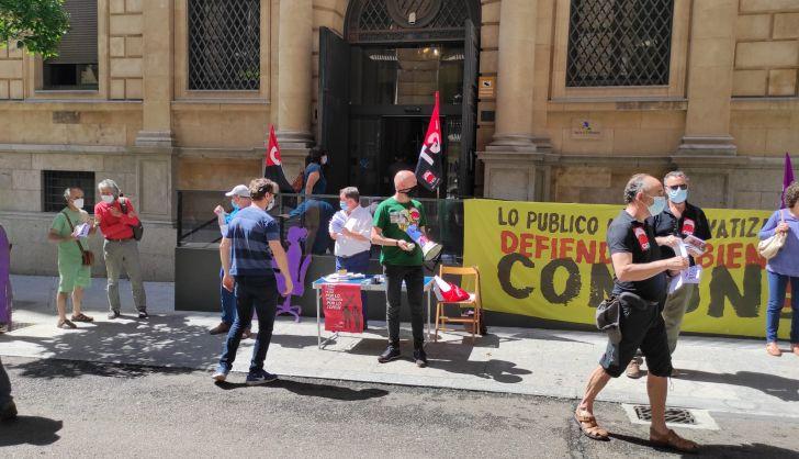 Concentración de CGT frente a la Agencia Tributaria (Hacienda) (2)