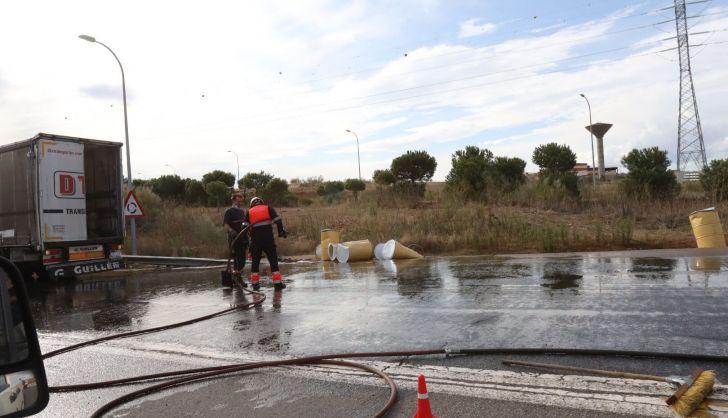 Los Bomberos de Salamanca han retirado la miel de la carretera