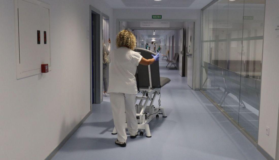 De la Prensa... Los técnicos de enfermería del Hospital de Salamanca denuncian que se ven obligados a hacer funciones de cocina y limpieza [Enlace Dentro] Urgencias-del-nuevo-hospital-universitario-de-salamanca-2-11-1100x632_11_1100x632