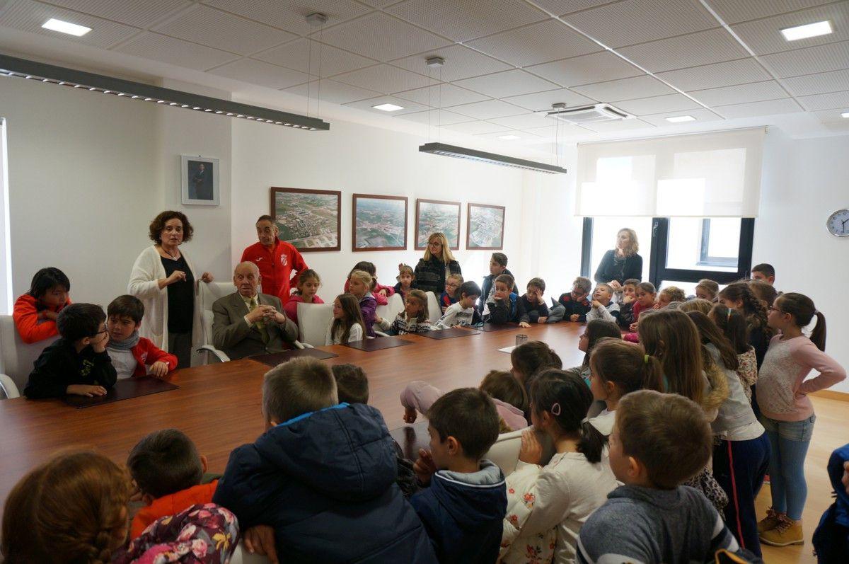 Visita al ayuntamiento del colegio de villares for Salamanca 24 horas
