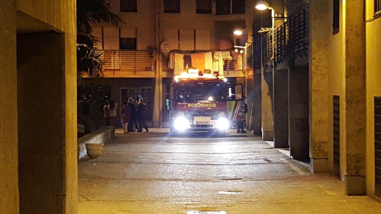Arden varios colchones en los soportales de la plaza san for Cerrajeros salamanca 24 horas