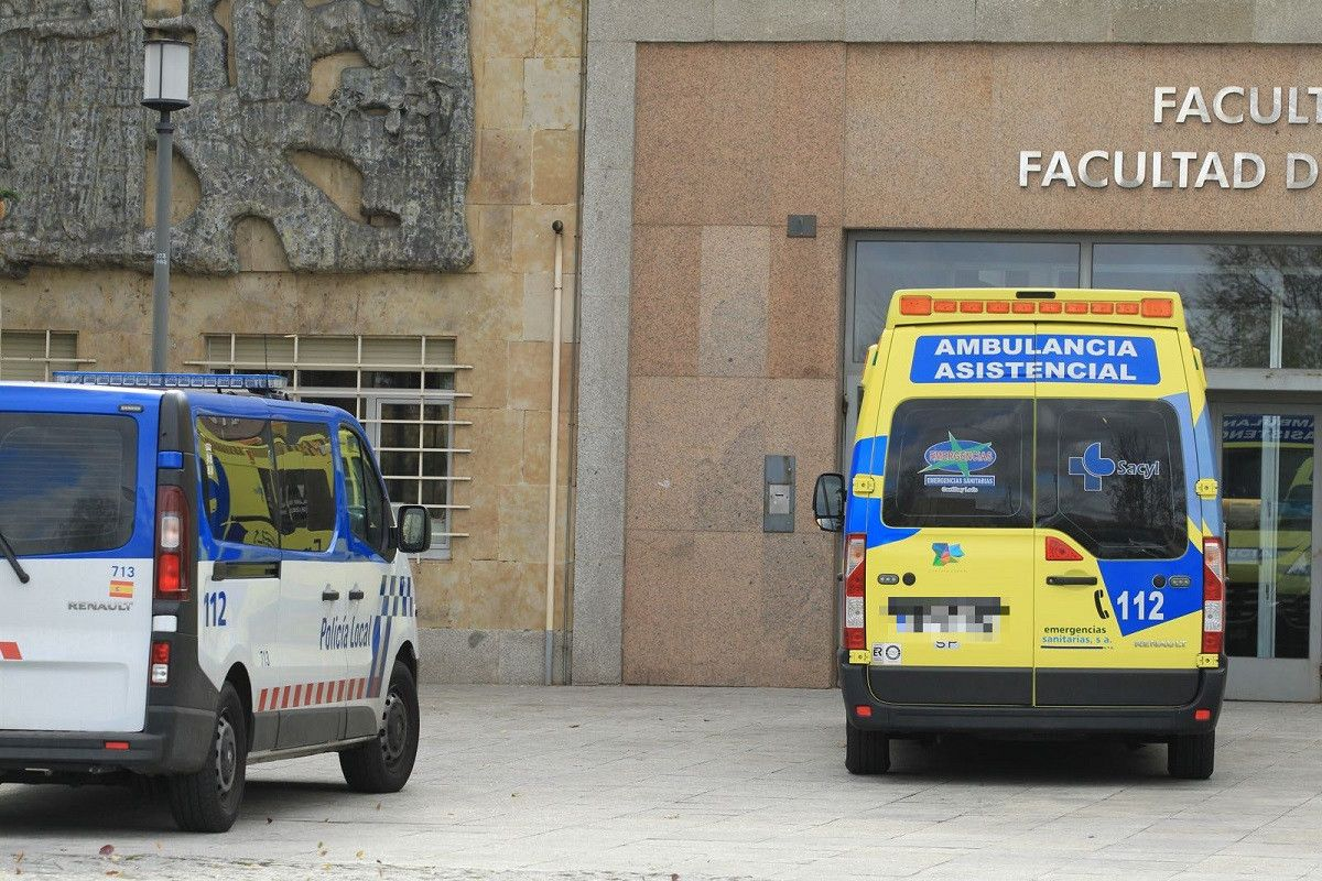 Ambulancia Policu00eda Ciencias (2)