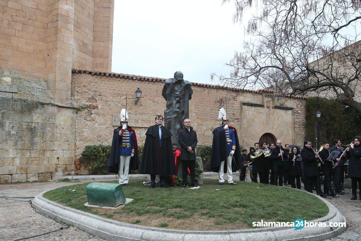 El alcalde y el rector de la usal realizan la ofrenda for Salamanca 24 horas