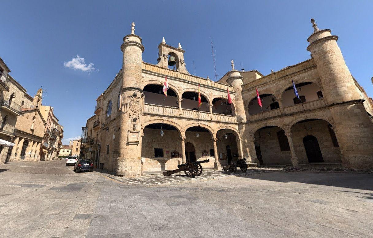 Javier iglesias y el pp mirobrigense 39 puentean 39 al for Cerrajeros salamanca 24 horas