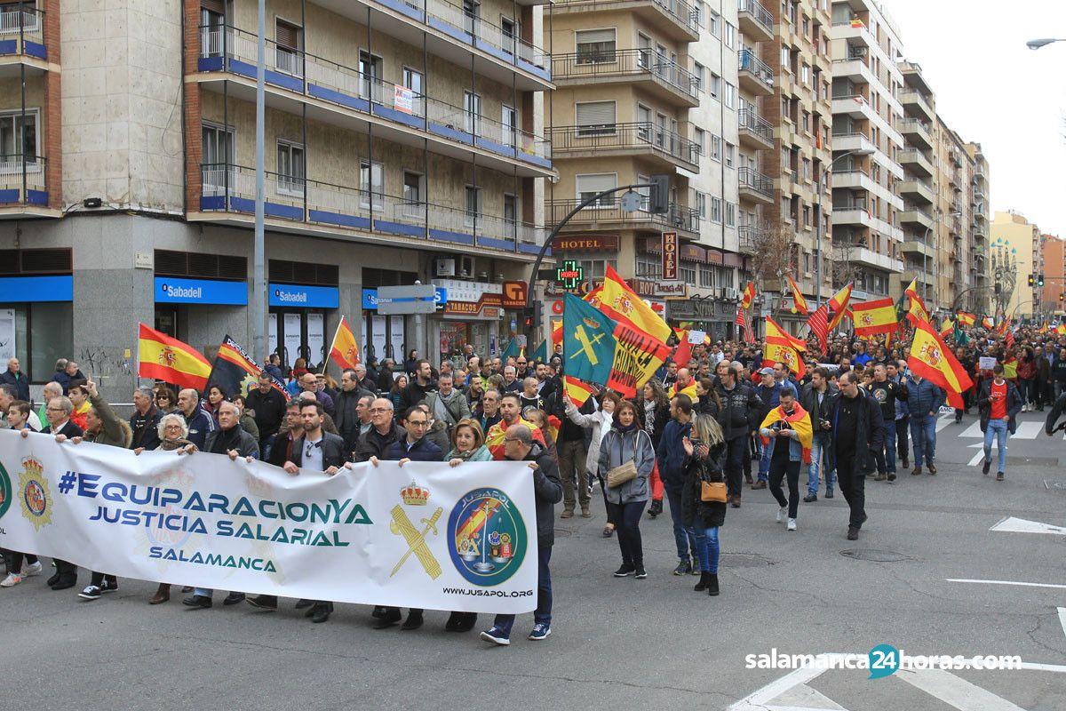 Miles de personas piden la equiparaci n salarial de for Cerrajeros salamanca 24 horas