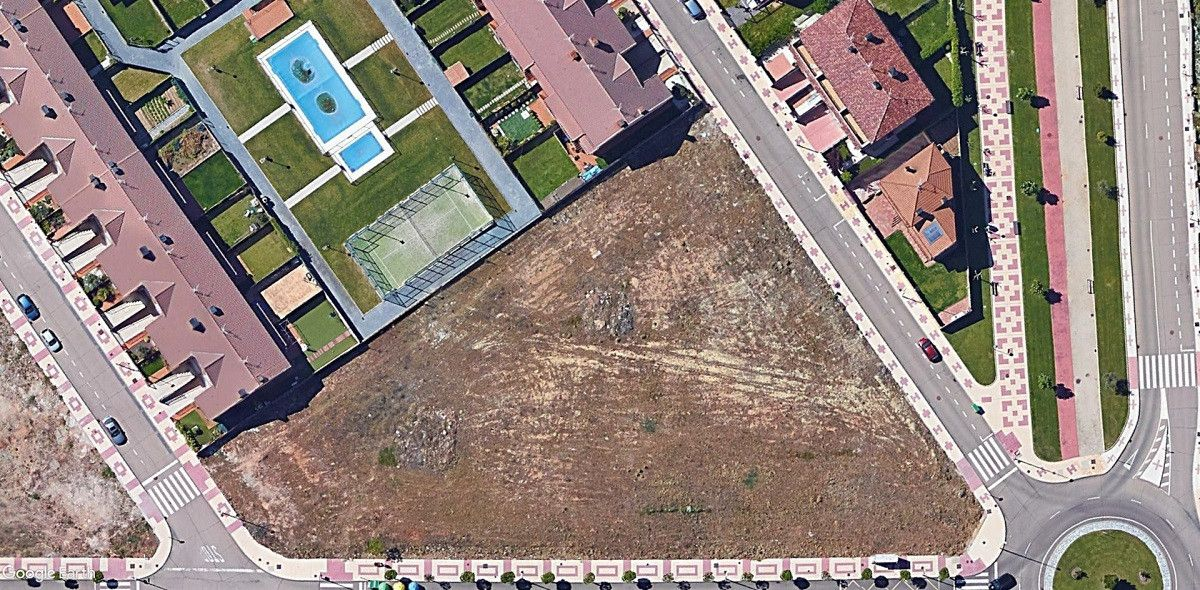 Parcela en venta (google earth)