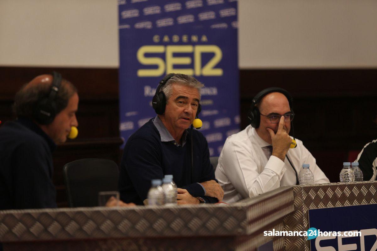 Carles Francino Presenta En Directo La Ventana De La Cadena Ser