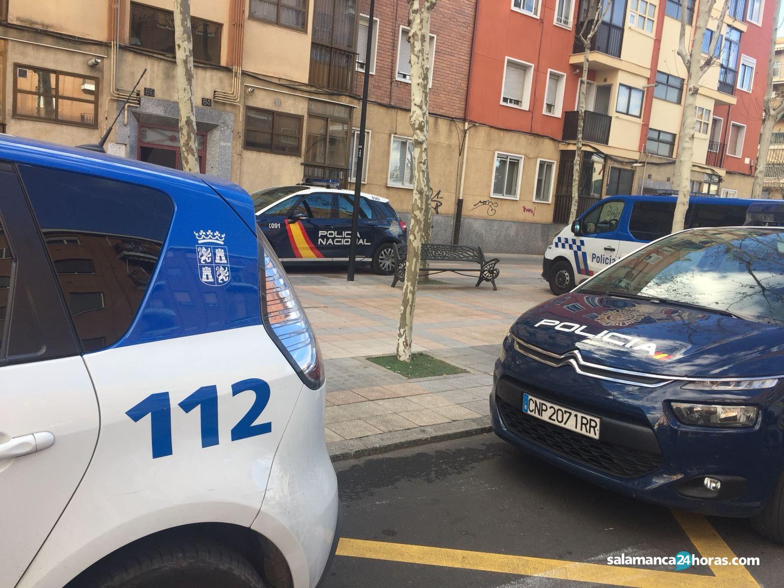 Policía Local Policía Nacional avenida Cipreses