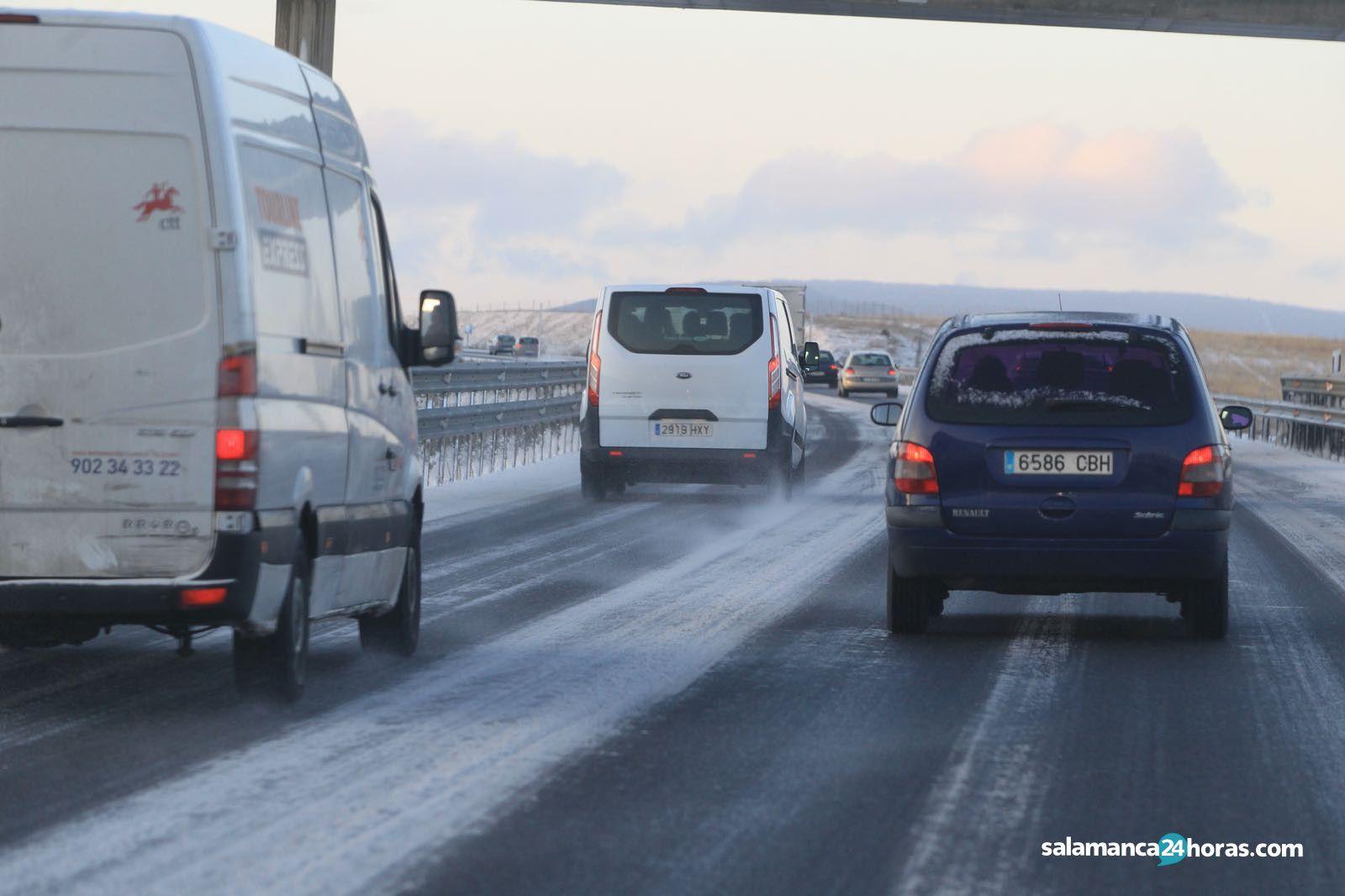 Nieve carretera trafico (15)