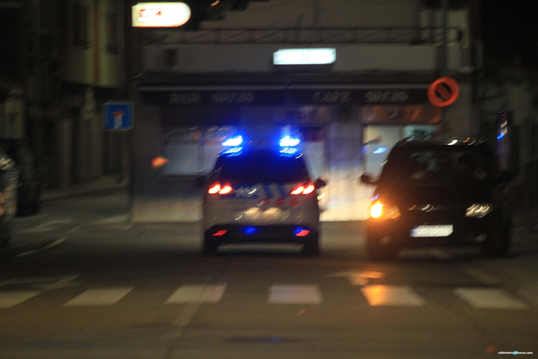 Policía Puente Ladrillo noche