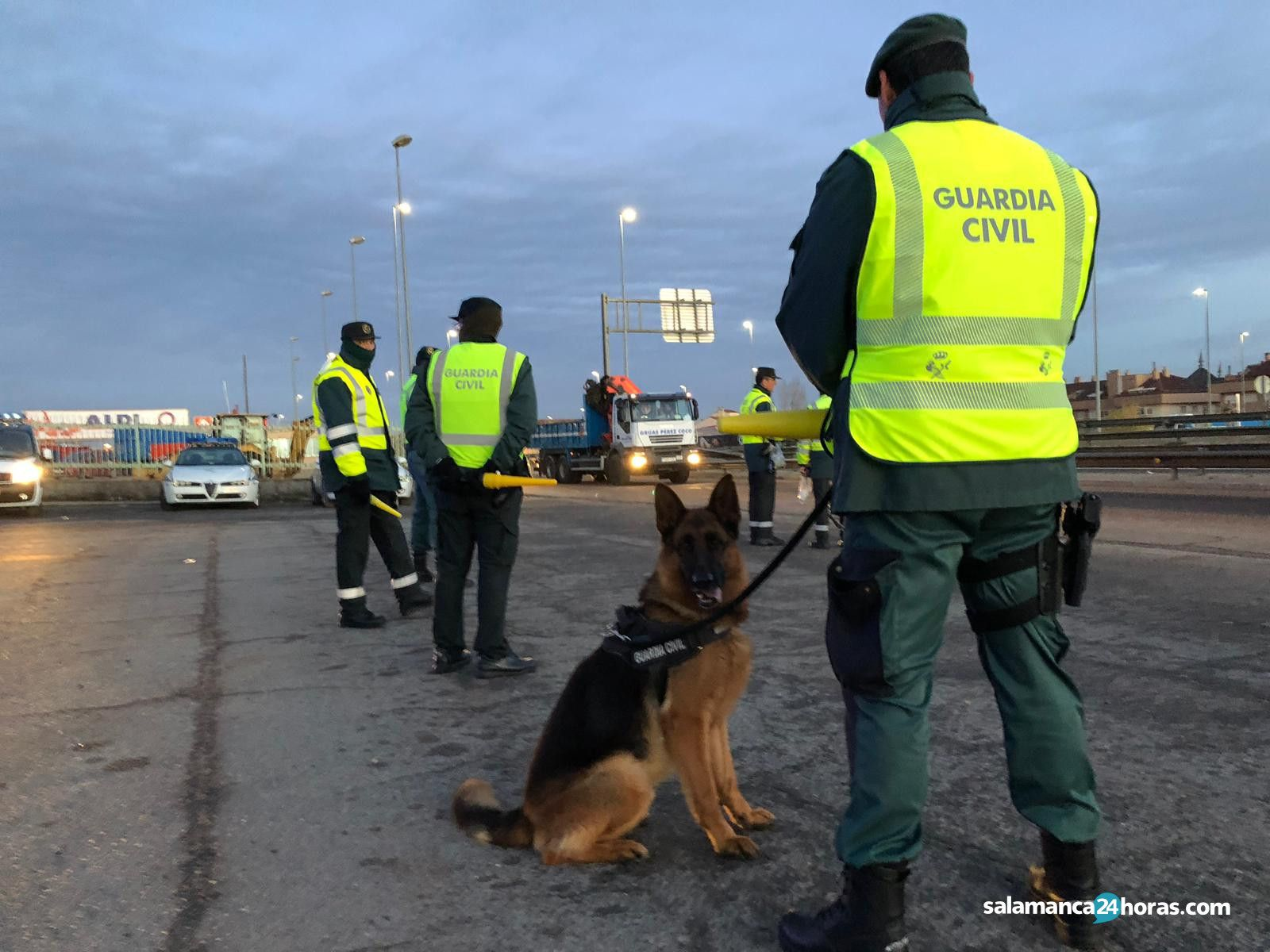 Controles de la Guardia Civil en el Fin de Año Universitario