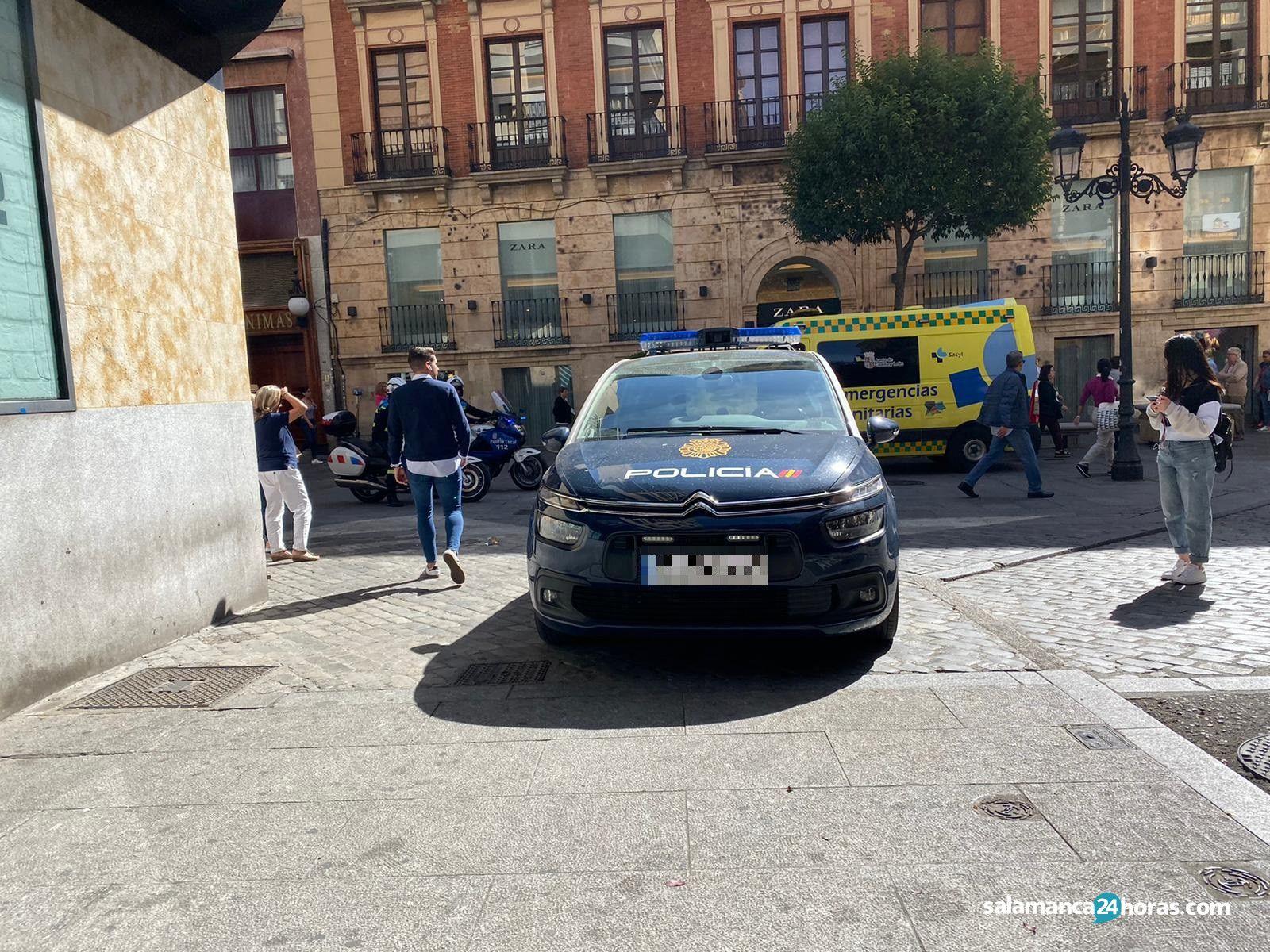 Policia en calle toro (3)