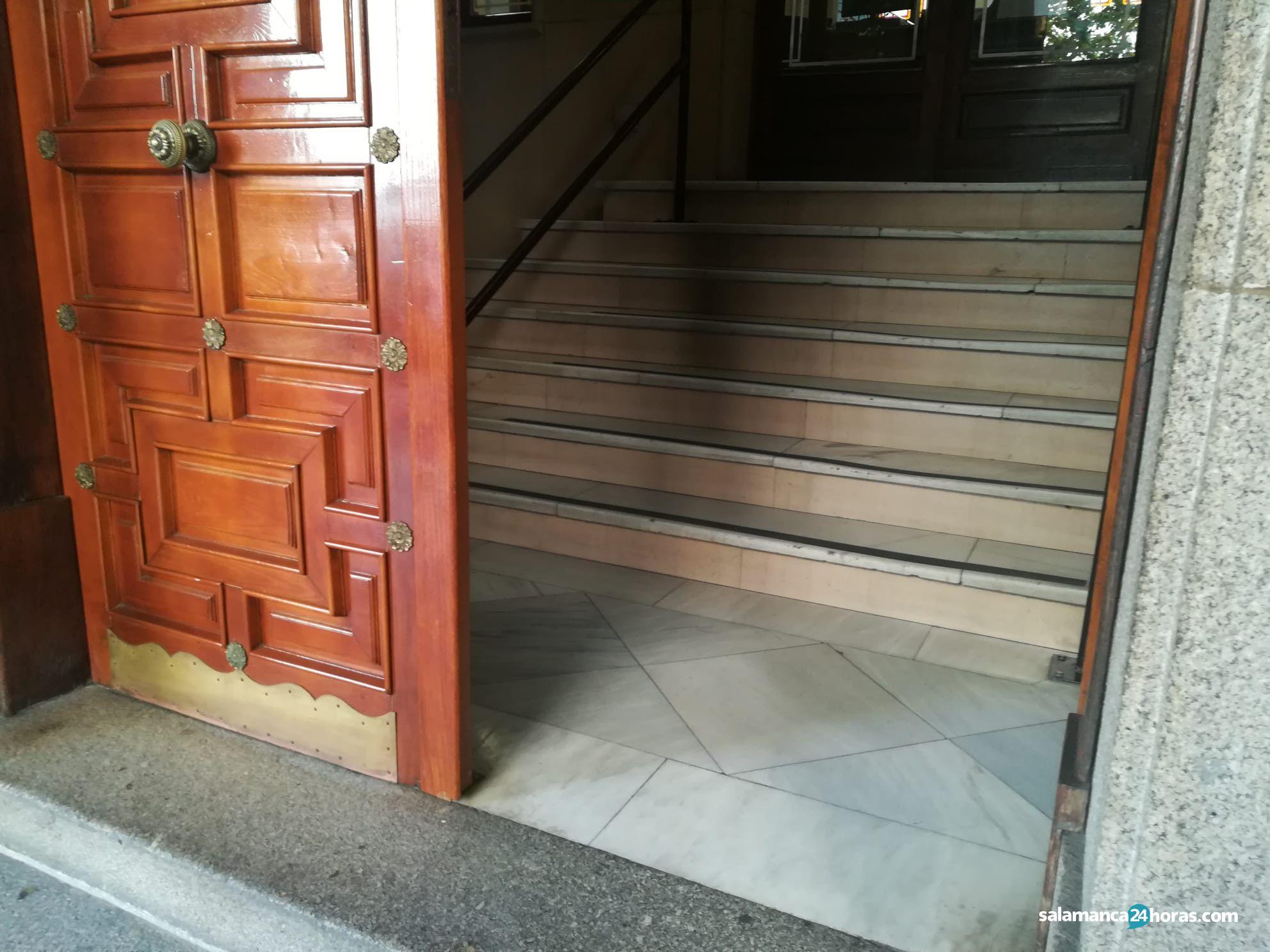 Escaleras Audiencia Provincial (1)