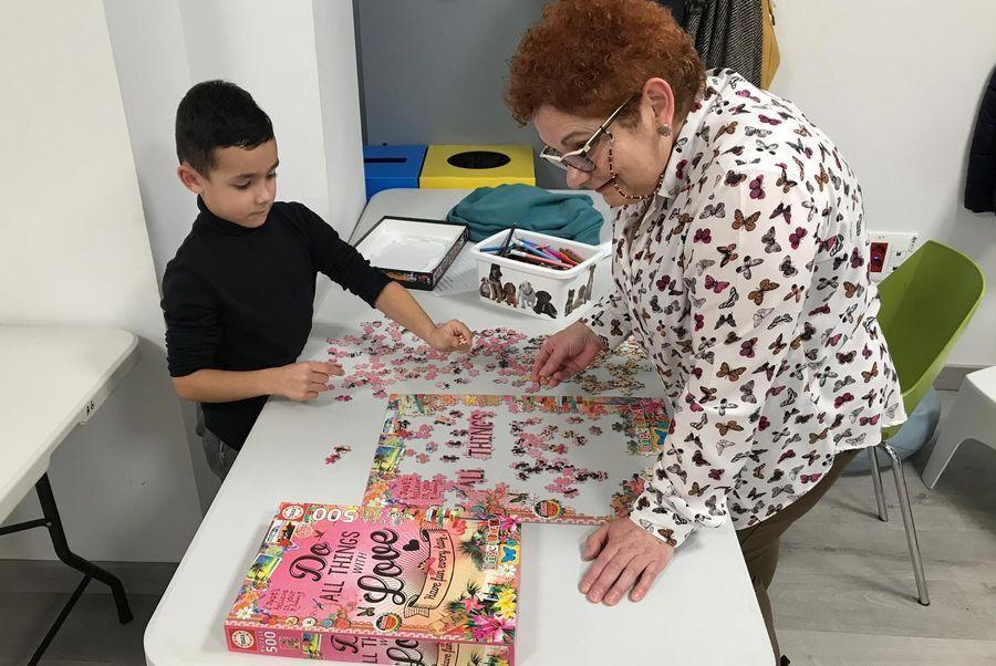 Participantes en concurso de puzzles