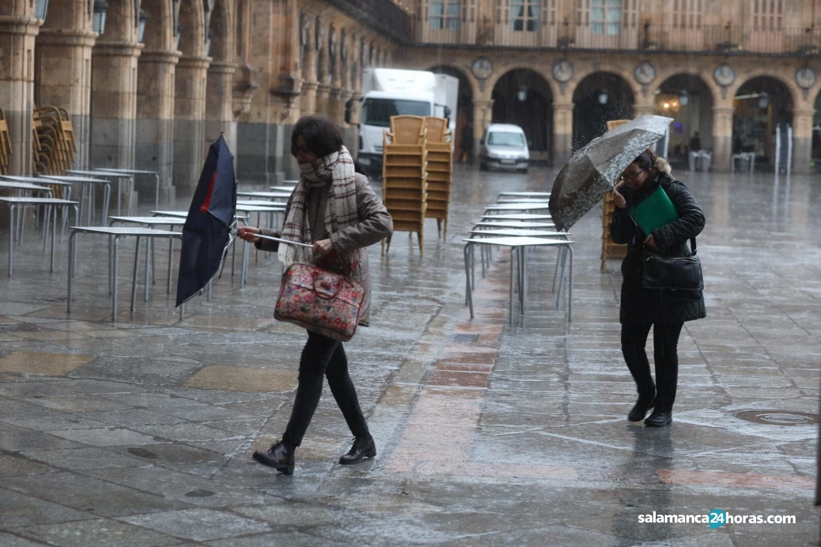 lluvia plaza mayor