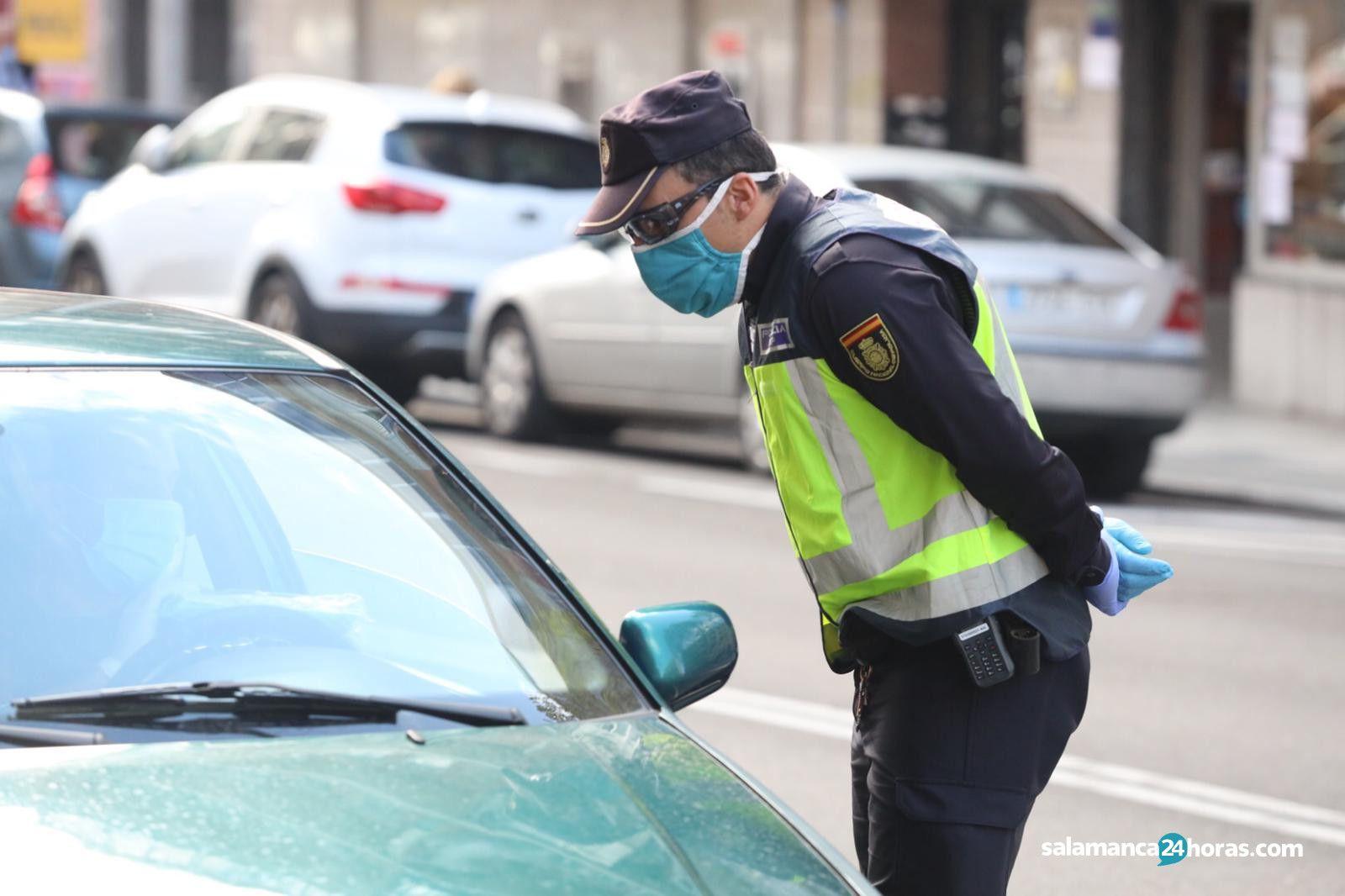 Policía nacional control avenida Italia (1)