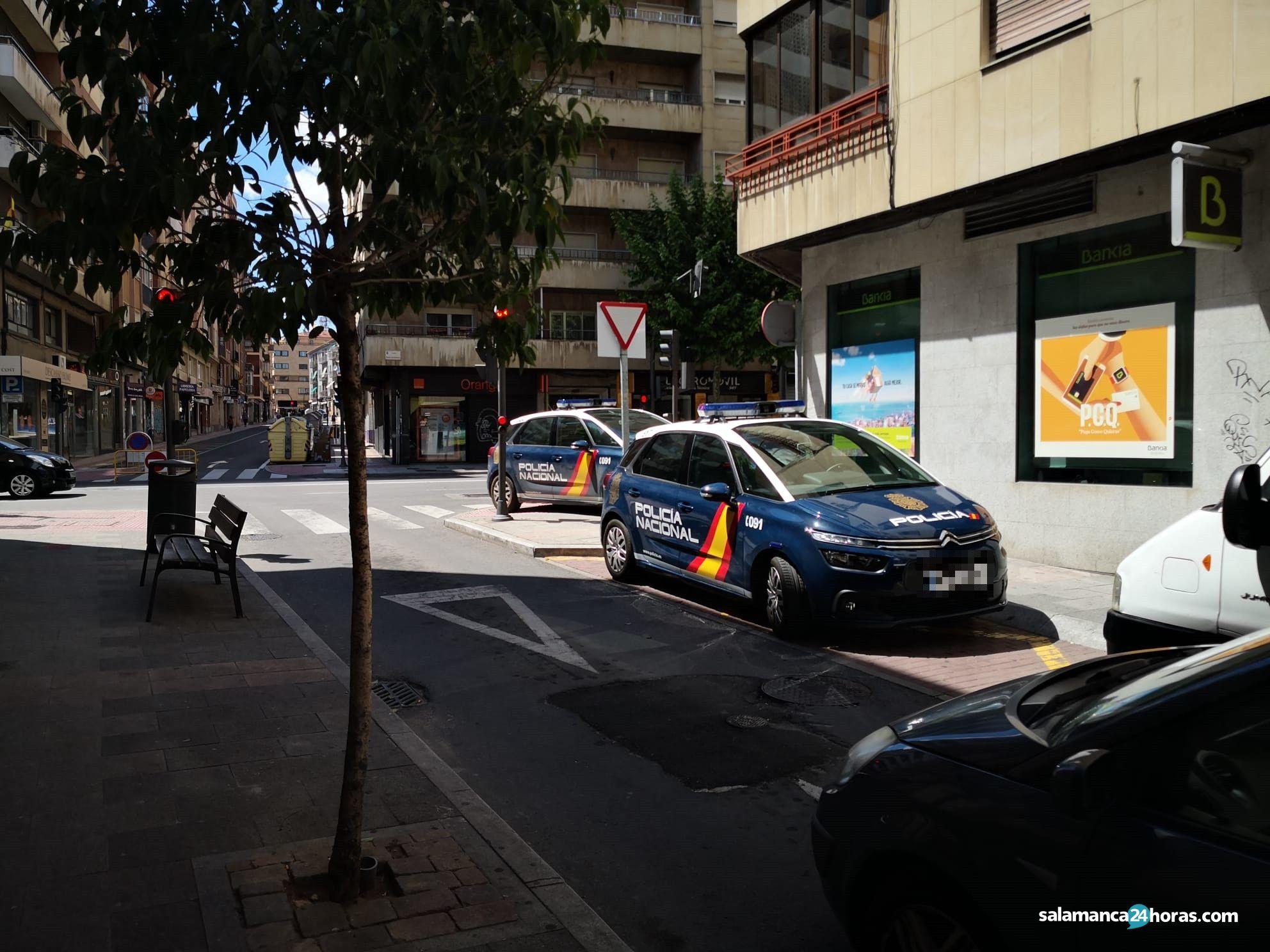 Policía Nacional en la calle Vasco de Gama