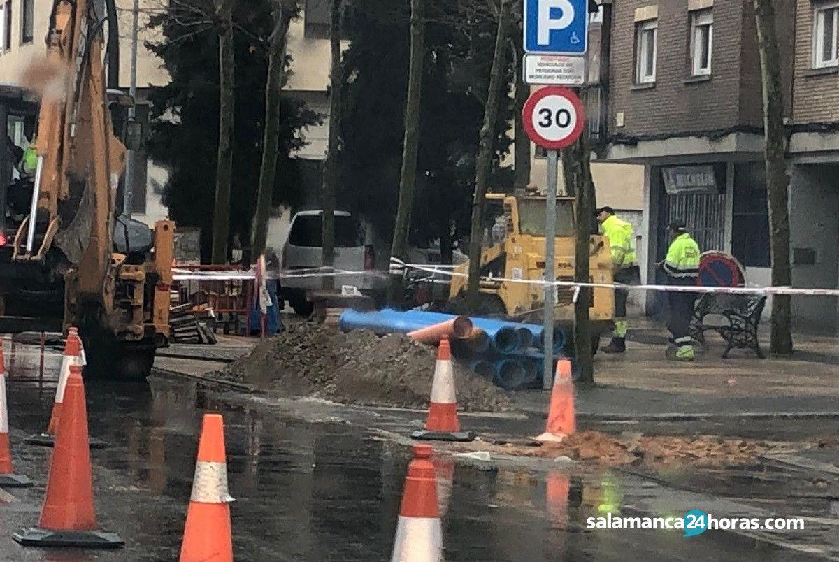 Reventón tubería avenida de los Cipreses (1)