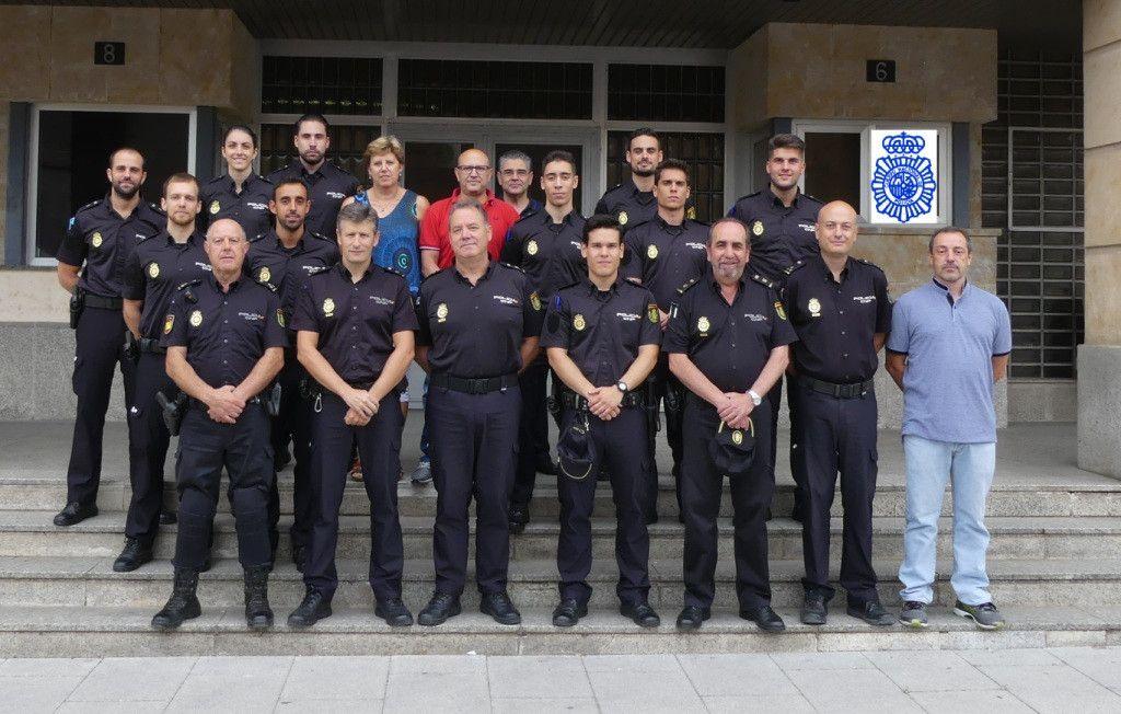 ALUMNOS Y RESPONSABLES POLICIALES