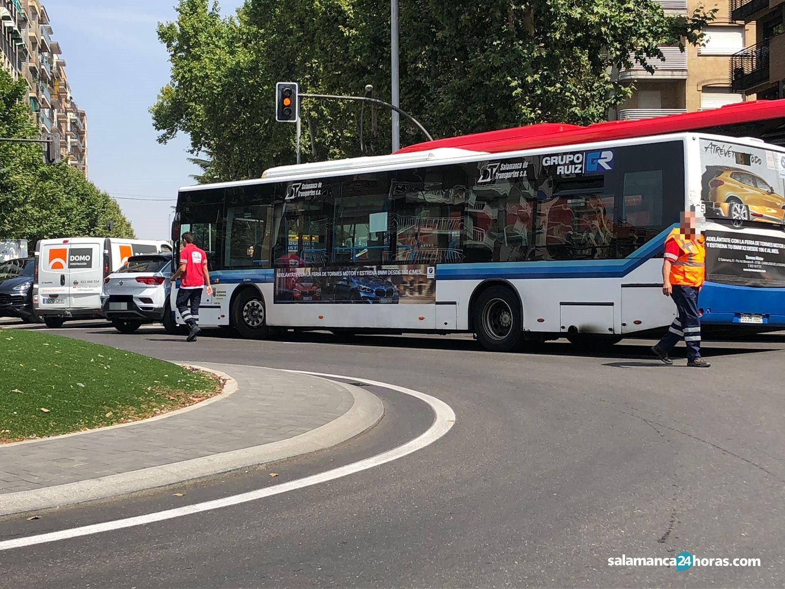 Accidente Autobús Coche rotonda UDS (3)