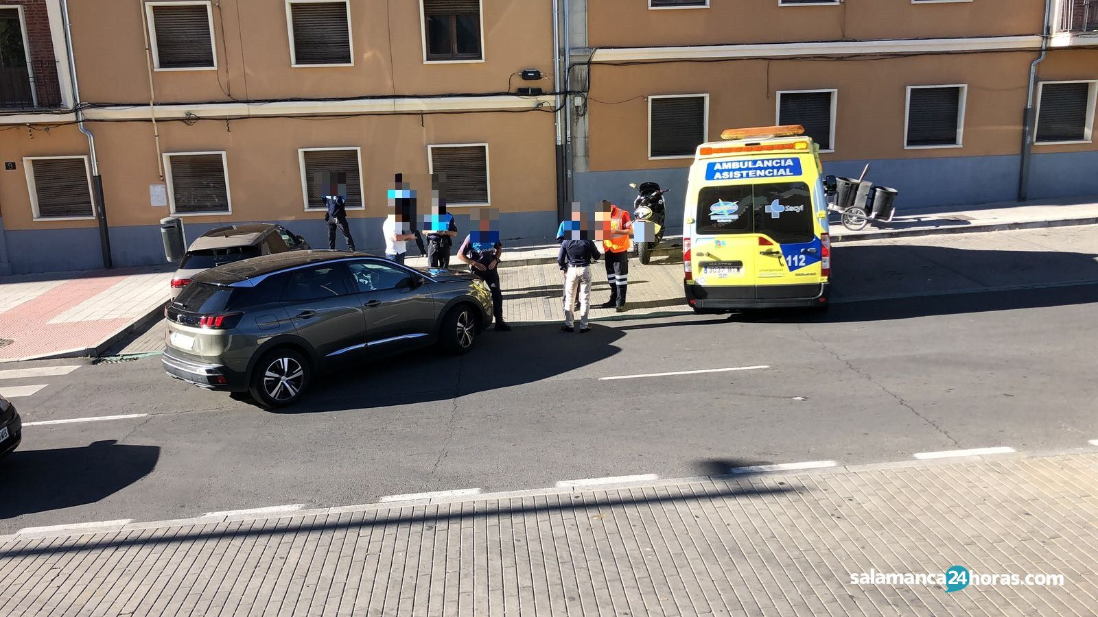 Accidente en la entrada al parking de El Corte Inglés