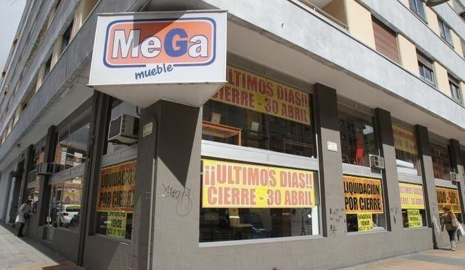 Gran liquidaci n de muebles por cierre en megamueble salamanca for Muebles oficina baratos liquidacion por cierre