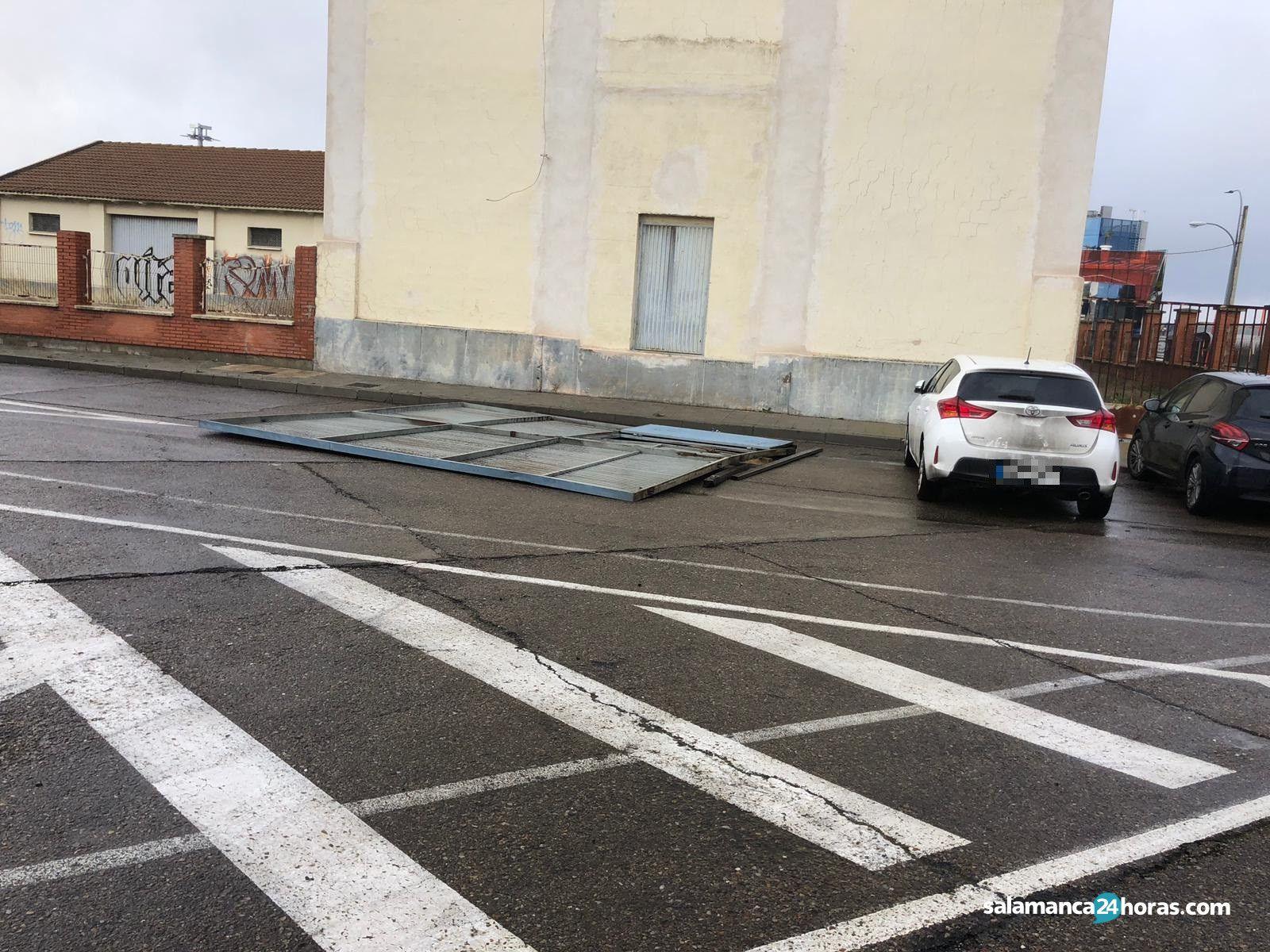 Puerta alunizaje Villares 2
