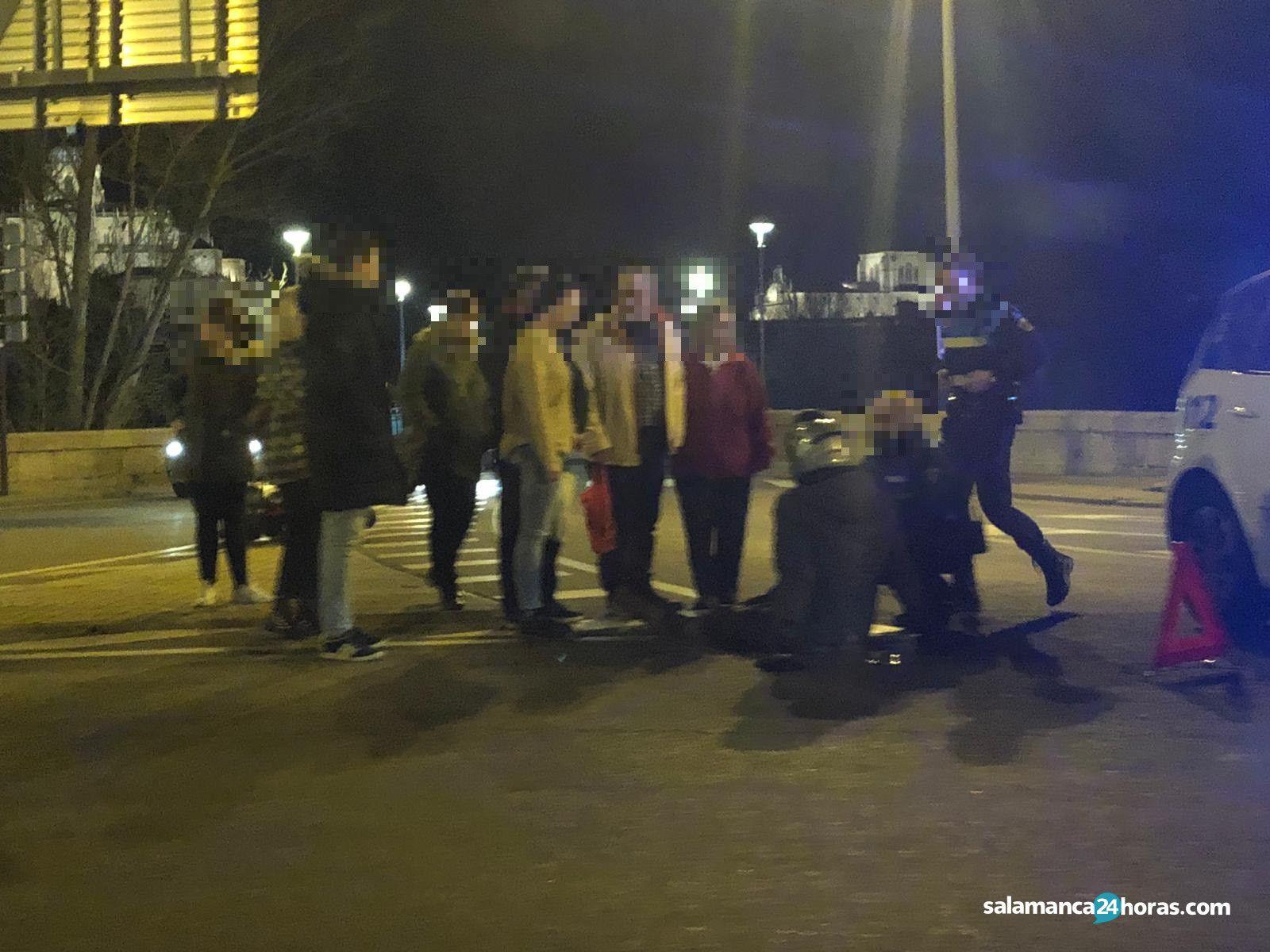 Accidente coche moto en el Puente Enrique Estevan (2)