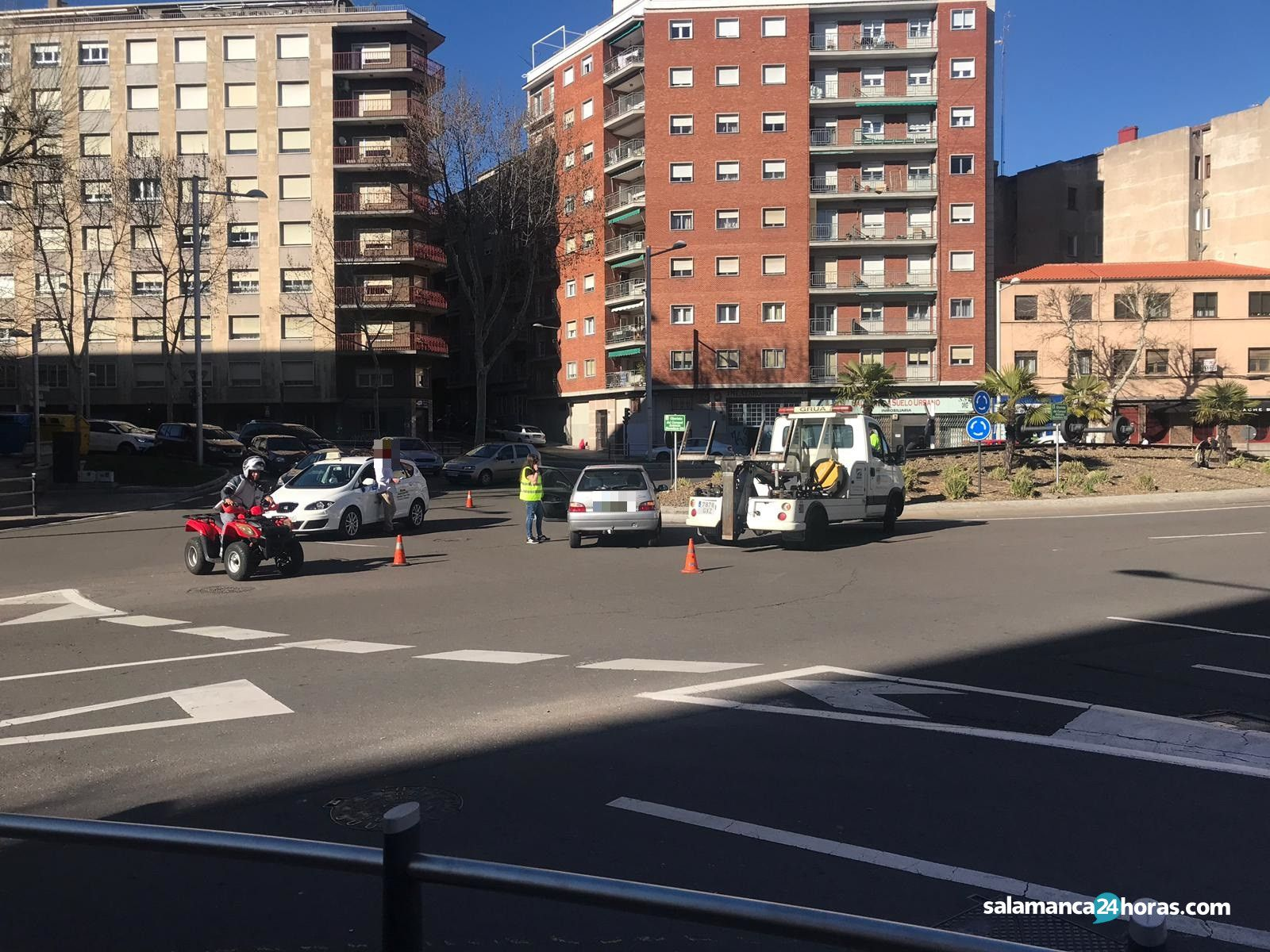 Accidente glorieta Coronel Heredero Gil (2)