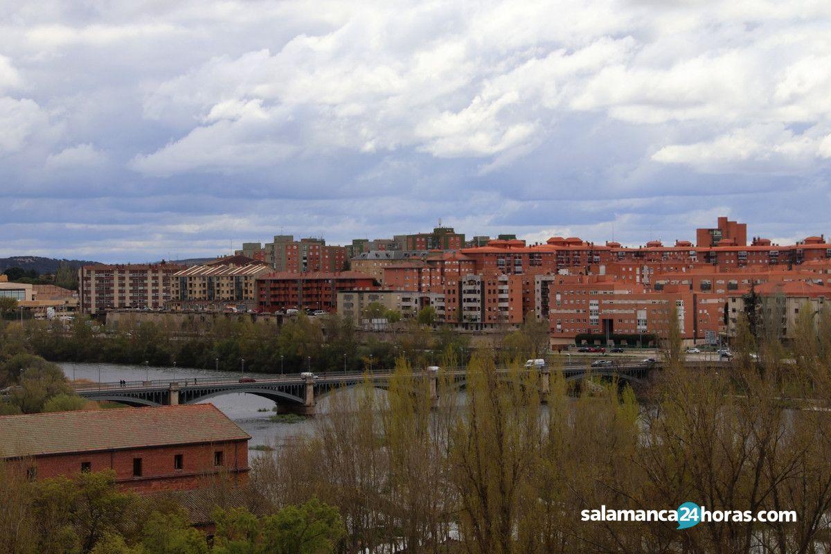 Panora?mica puente Enrique Estevan, barrio San Jose?, ri?o