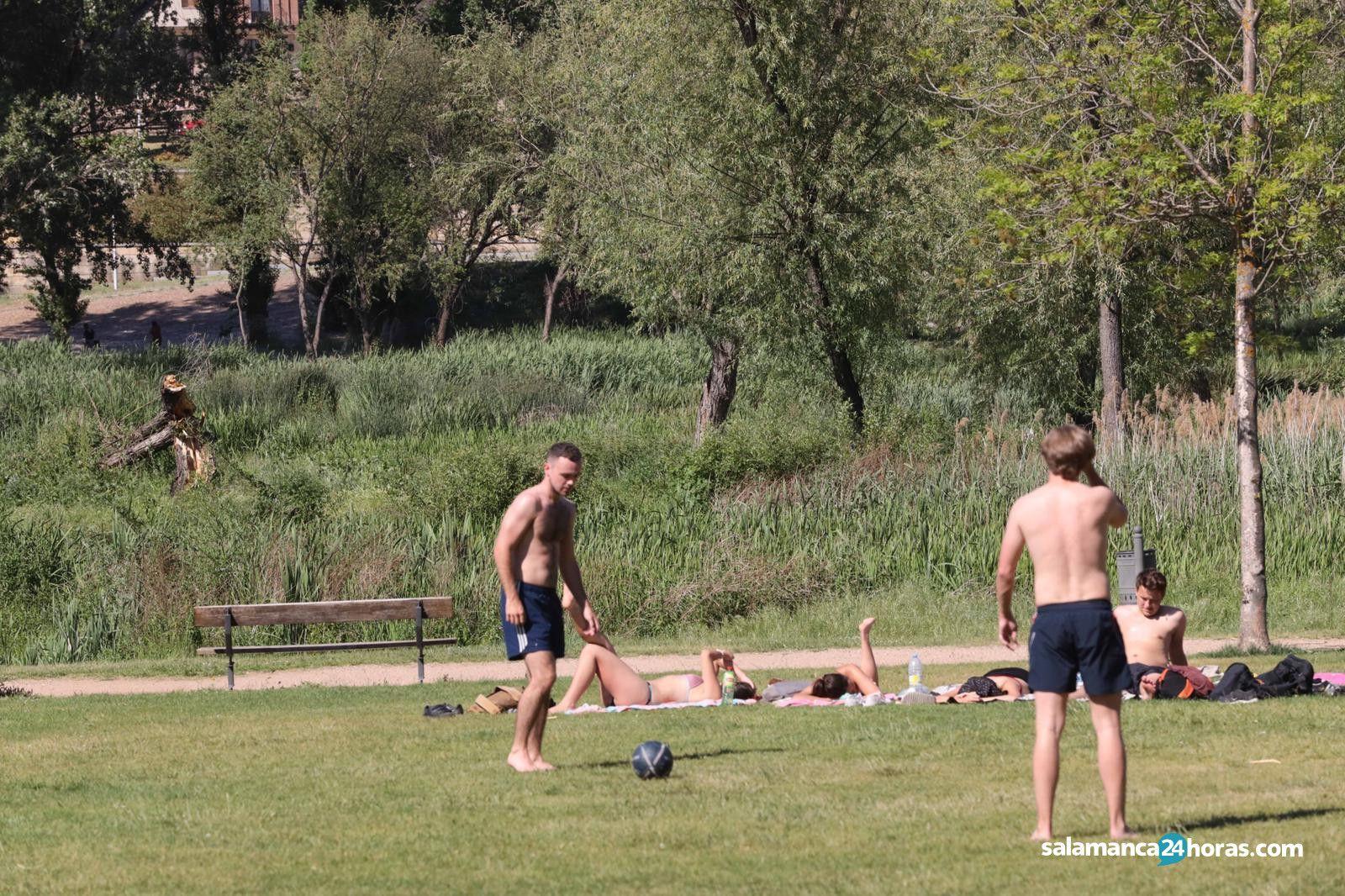 Fútbol en la ribera del Tormes