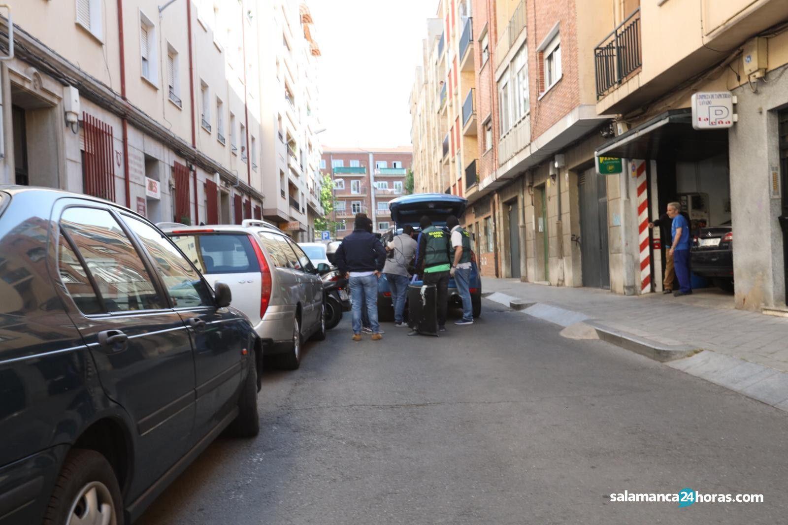 Redada de la Guardia Civil en la calle Valle Inclán (4)