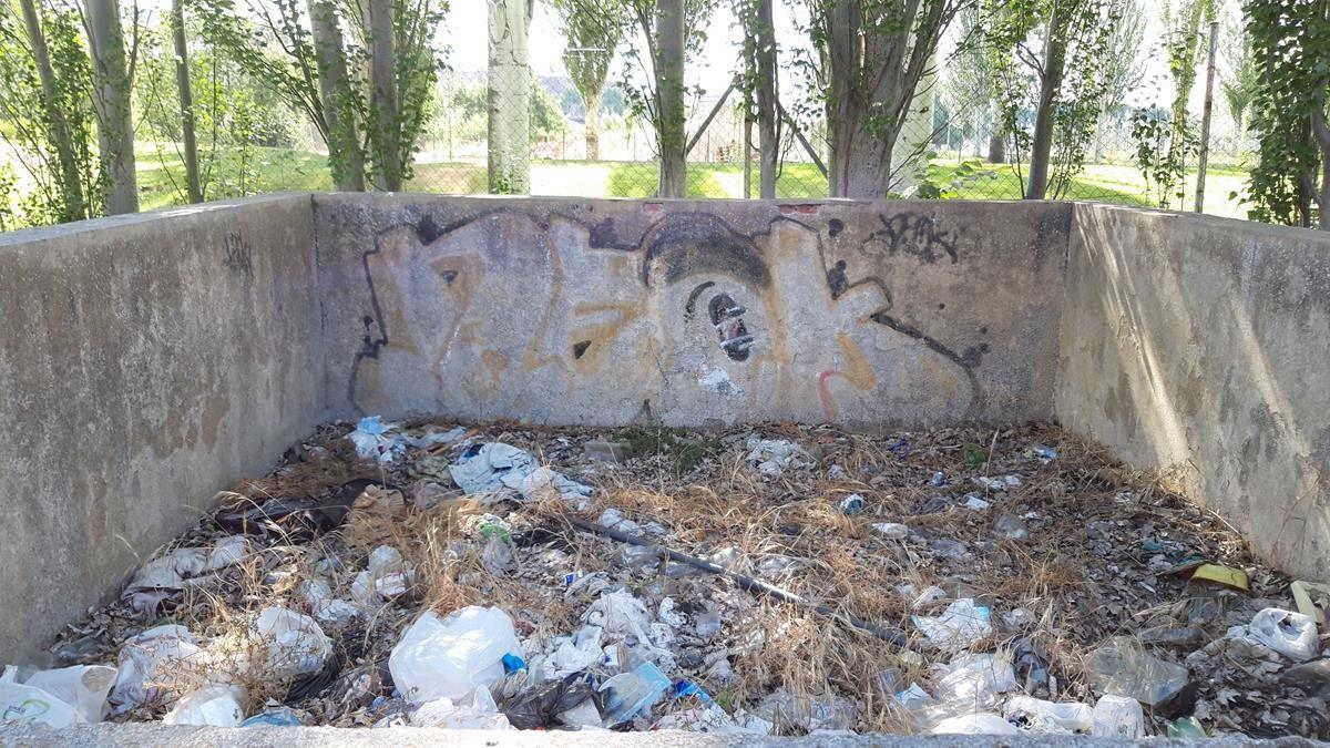 Recogida de basura en el ru00edo Tormes (1)