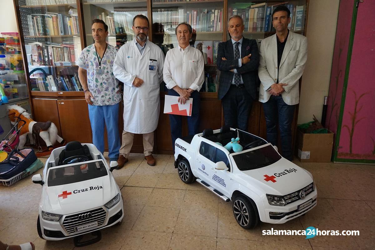 Donación de dos cochecitos eléctricos al hospital (5)
