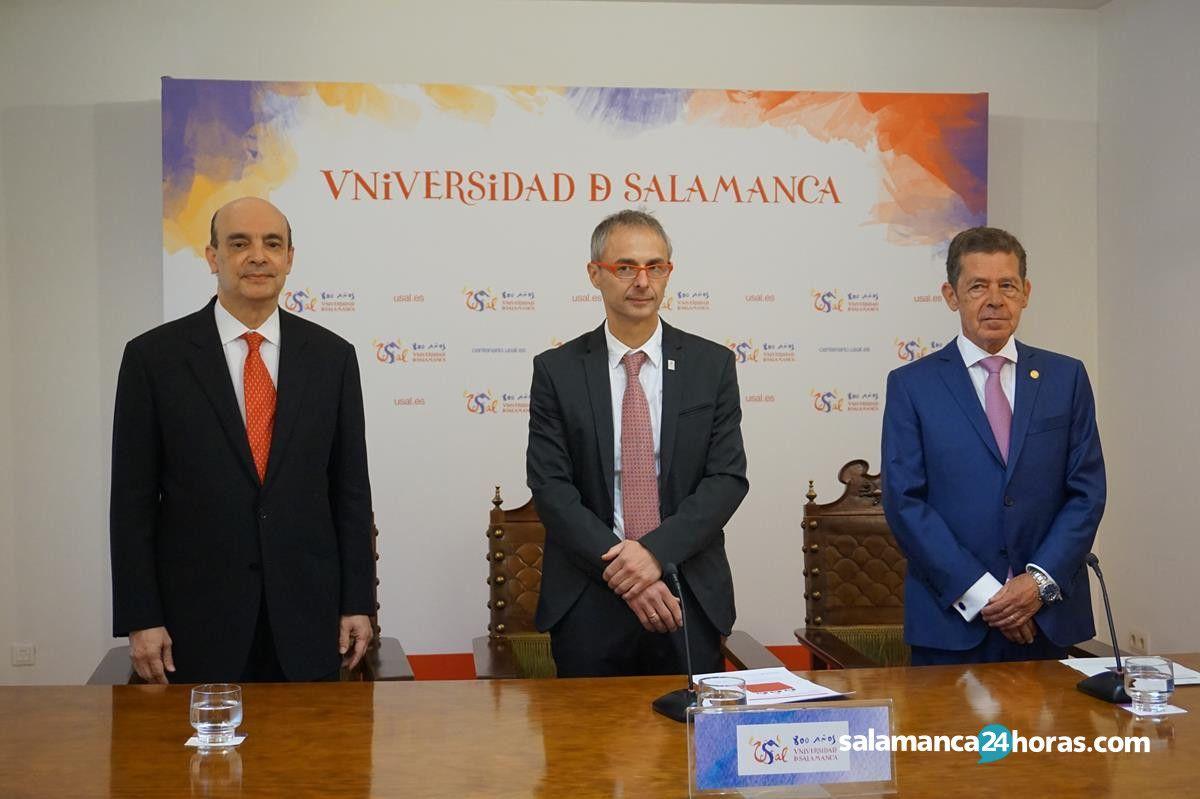 Presentación del honoris causa a roberto romero