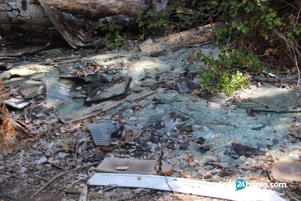 Basura en piscifactoria de Cabrerizos (4)