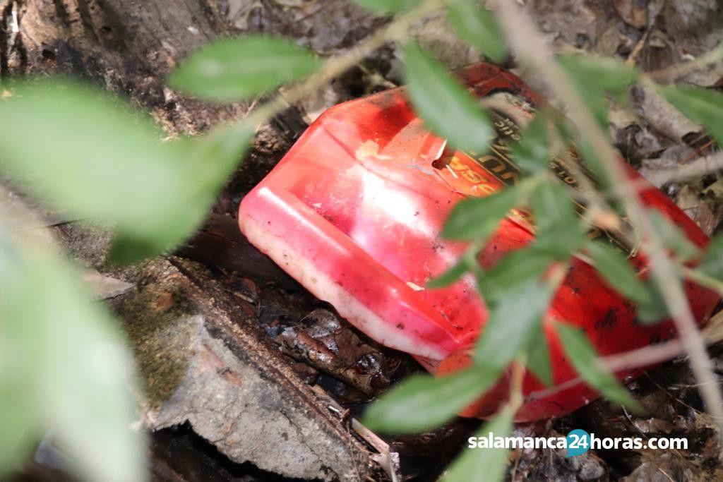 Basura en piscifactoria de Cabrerizos (1)