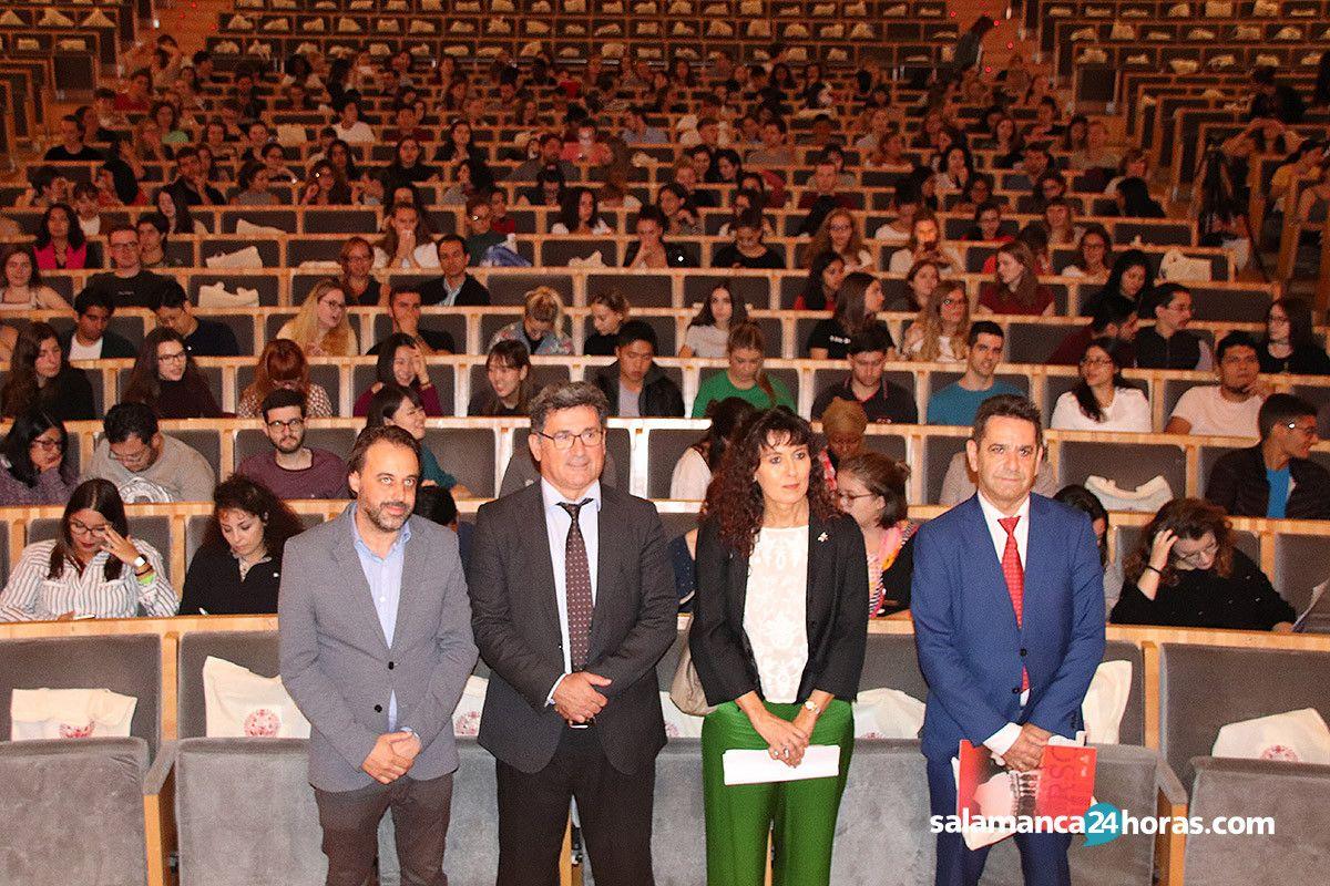 La Universidad de salamanca recibe a los nuevos estudiantes extranjeros 12