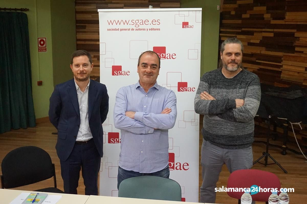 Conferencia Víctor Reyes