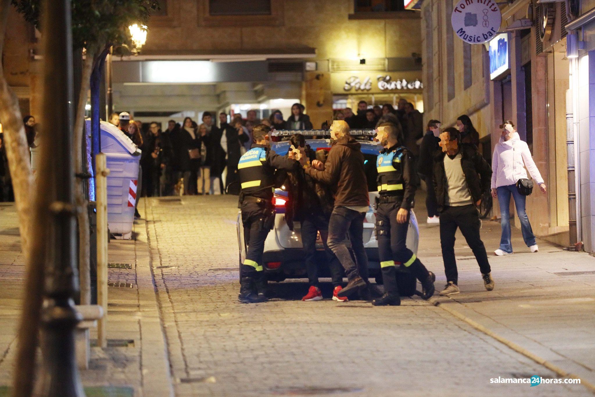 Policía en Vazquez Coronado (7)