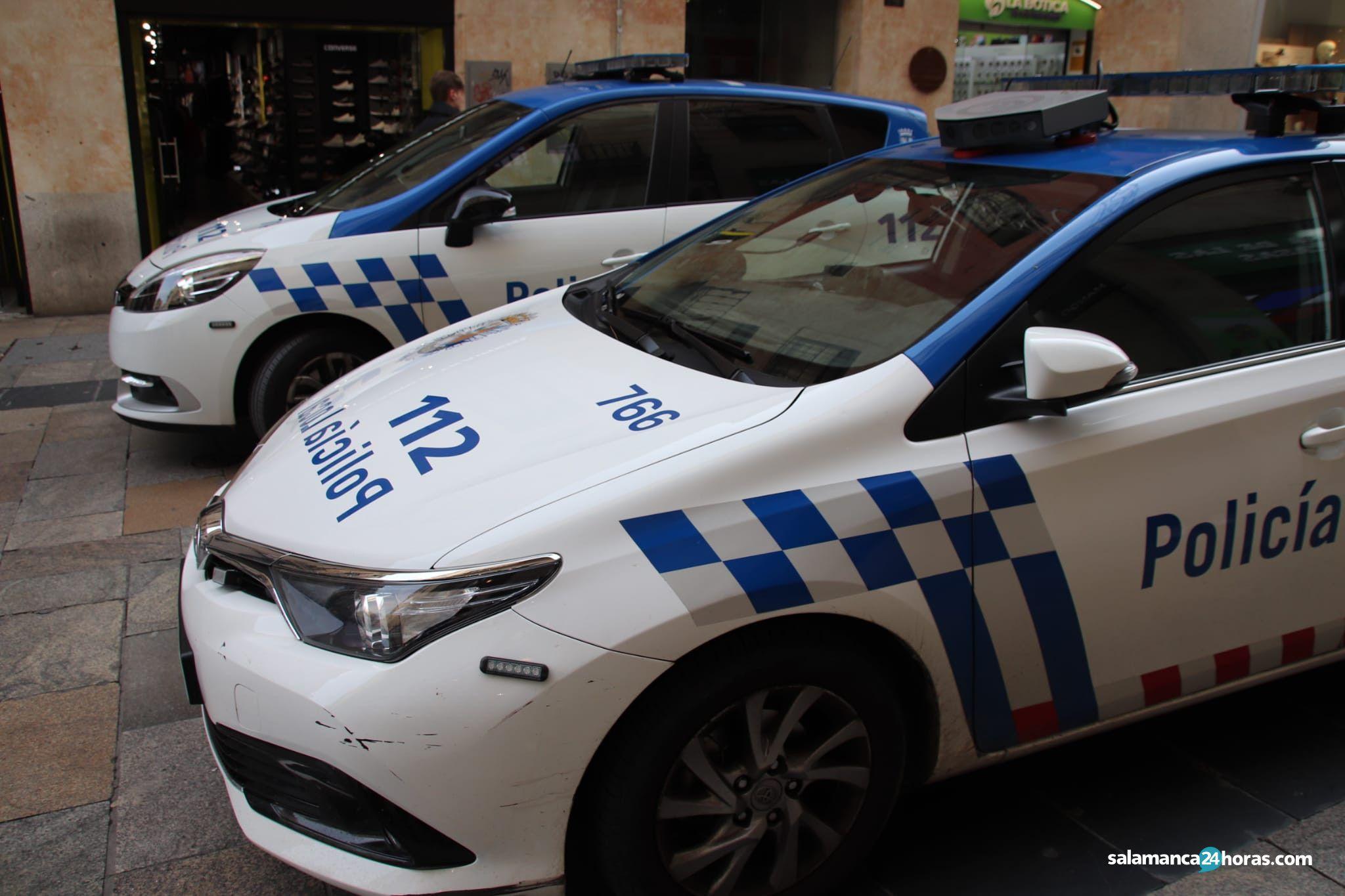Policía local en calle Toro (2)
