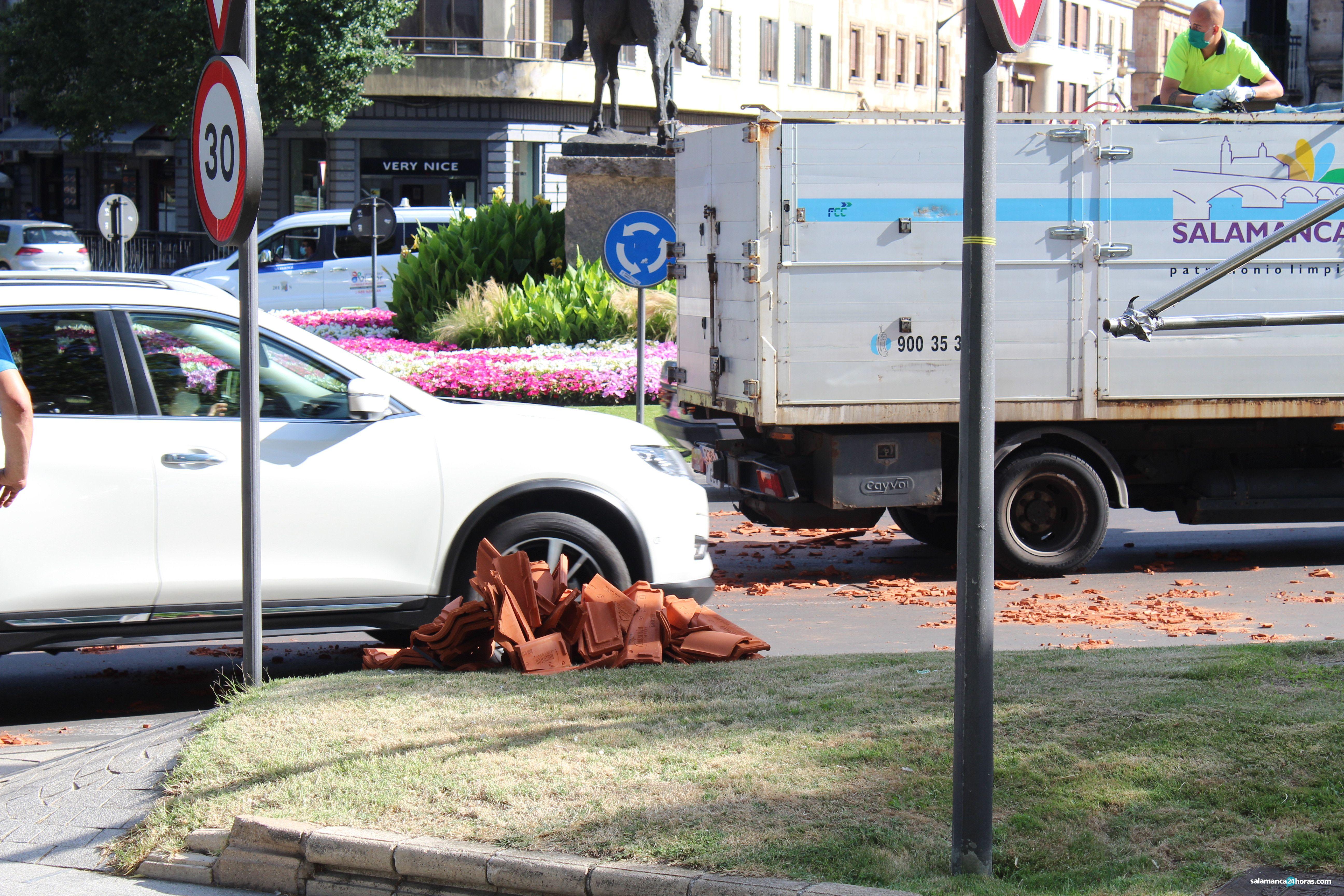 Accidente camión Plaza España (3)