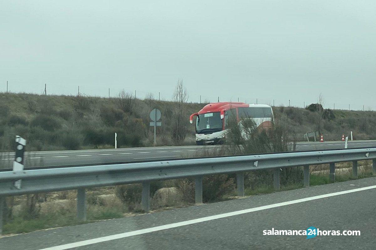 Autocar Avanza en A 50 (1)