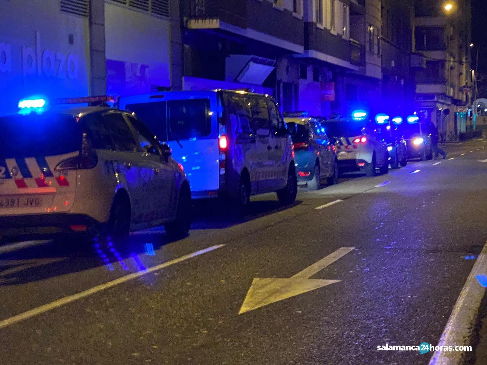 Policía en álvaro gil (2)