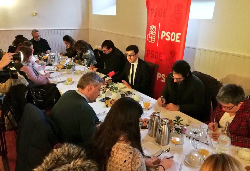 Foto desayuno informativo GMS