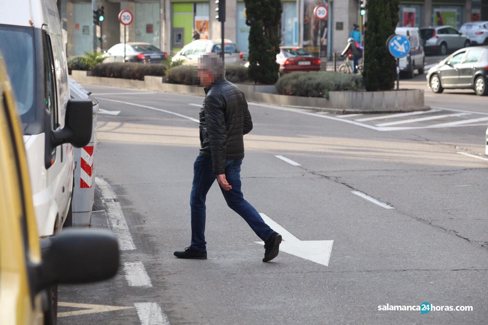 Peatones cruzando mal (1)