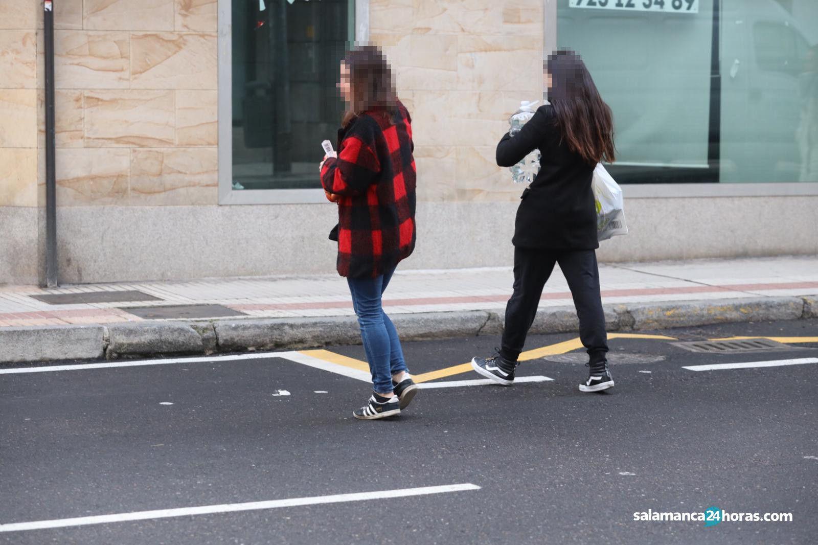 Peatones cruzando mal (2)