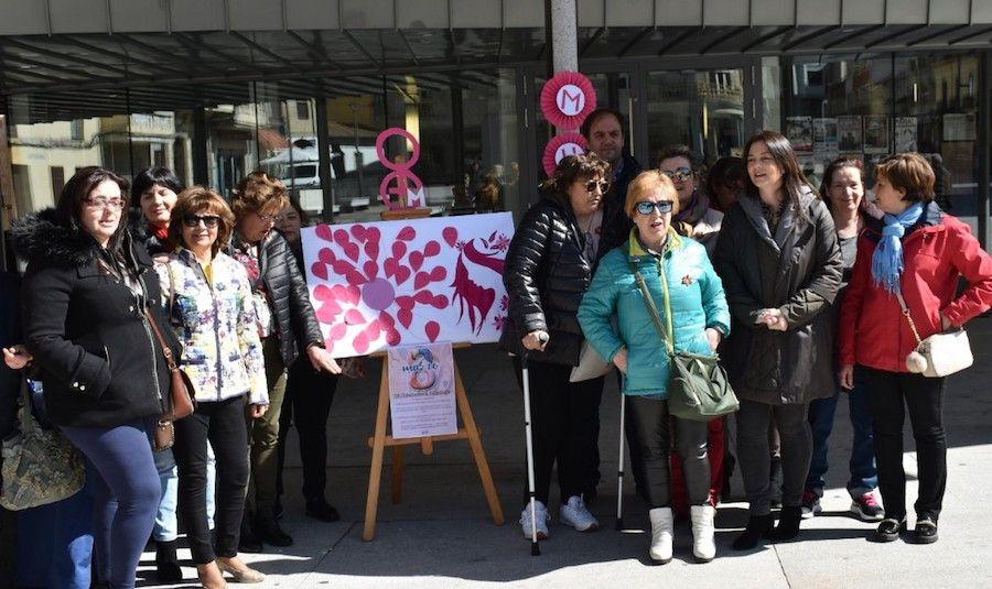 Representantes de AMEG y la Asociaciou0301n Arte y Tradiciou0301n Charra